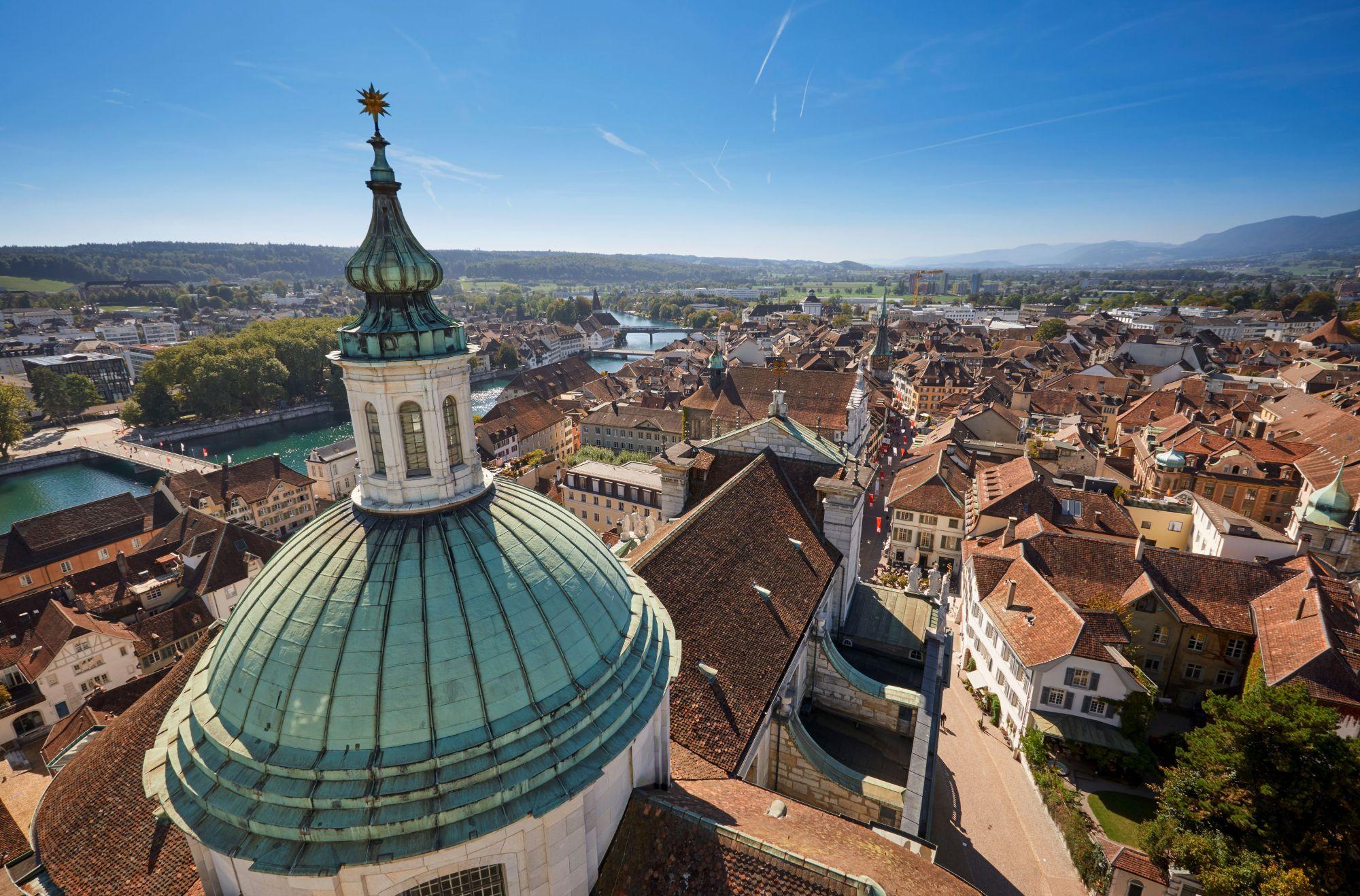 St.-Ursen-Kathedrale_Turm_klein©-Solothurn-Tourismus_Tino-Zurbrügg.jpg