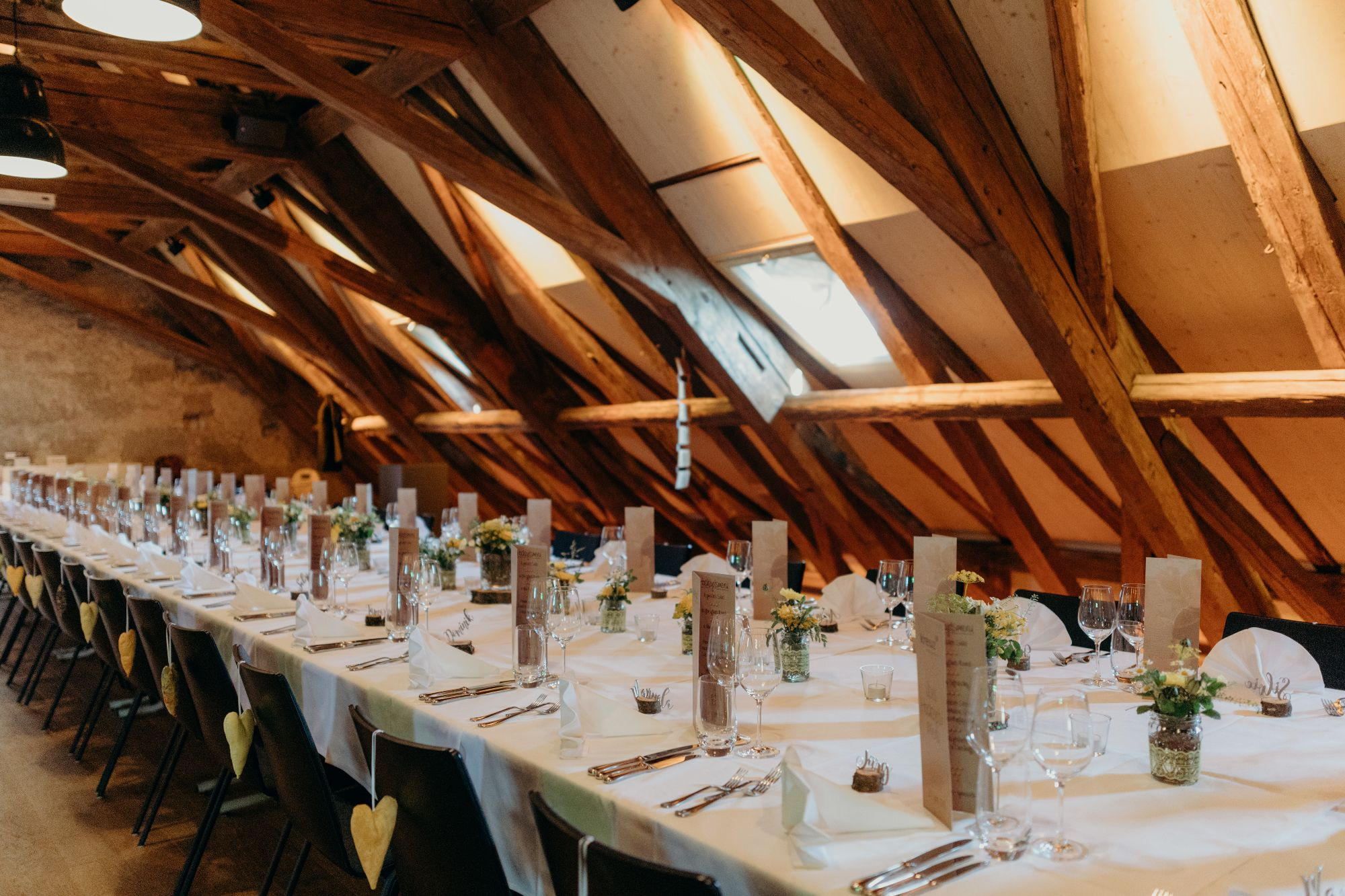 Hochzeitslocation Dachstock im Oberaargau Kanton Bern