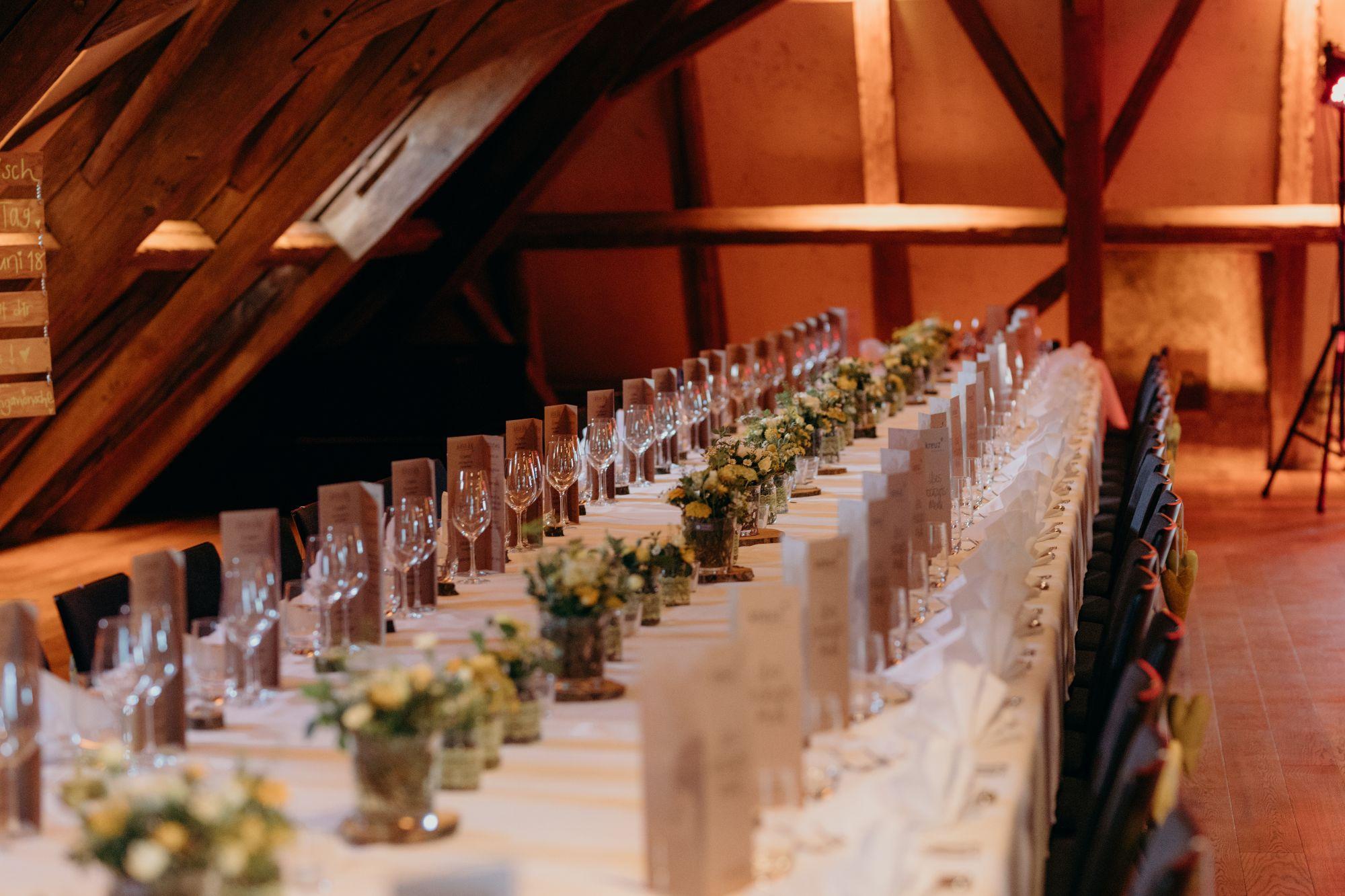 Tischdecko Hochzeitslocation